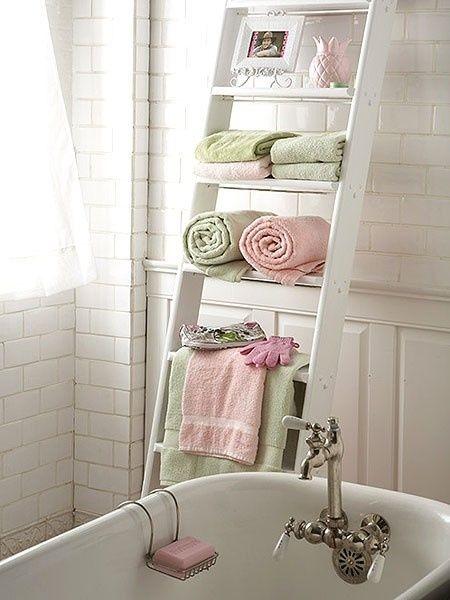 decoracao-banheiro-prateleira-escada