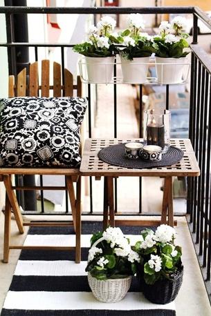 mesa-cadeira-varanda-apartamento-pequeno