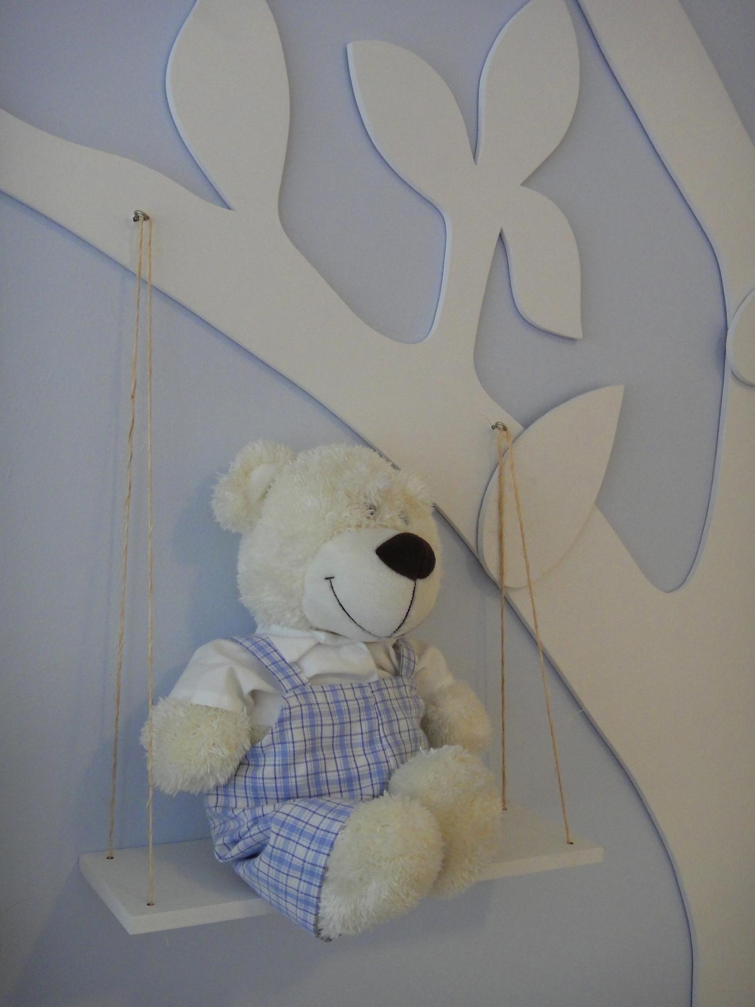 design interiores decoracao quarto bebe: tecidos em todos os móveis do quarto , para manter a unidade visual