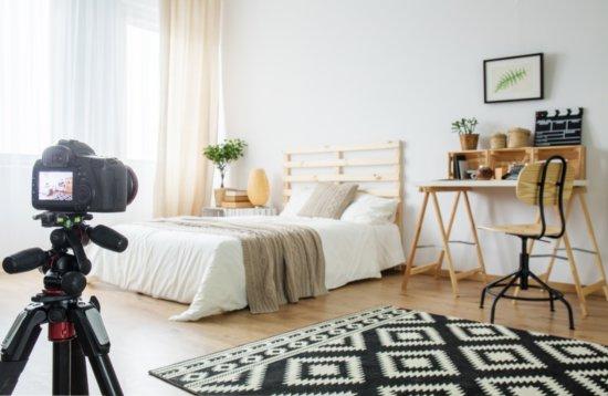 Fotografia profissional do ambiente de um quarto.